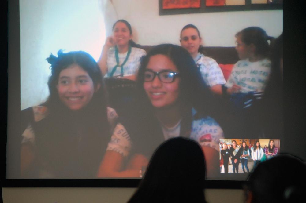 Guadalajara's Guias Scouts via Skype
