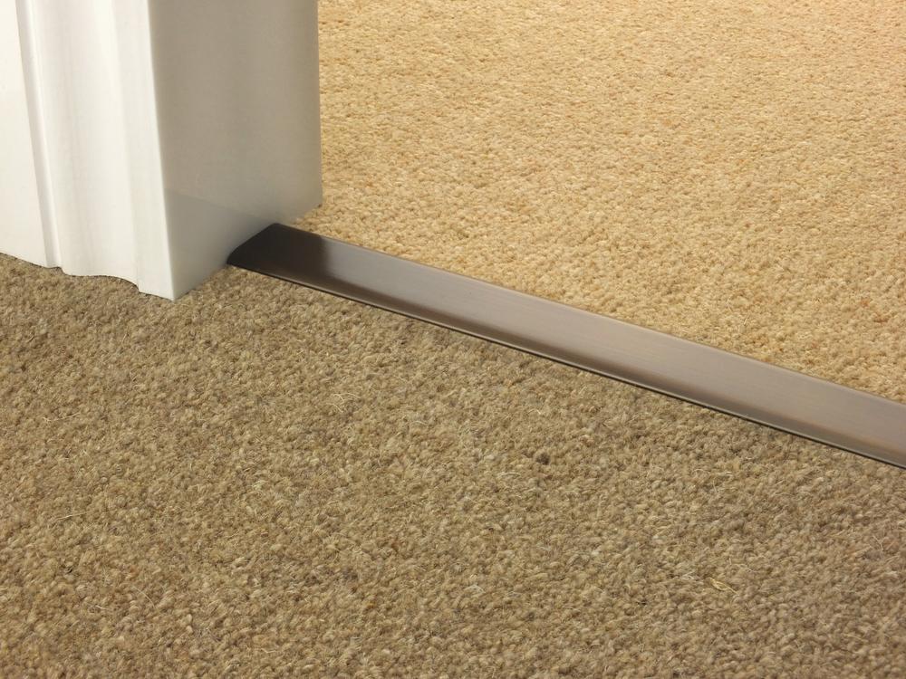 door_bar_antique_bronze_doublez_carpet_carpet.jpg