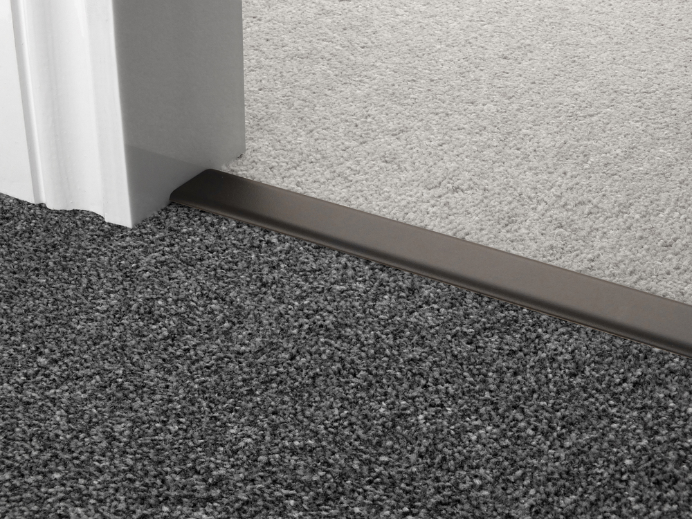 door_bar_black_doublez_carpet_carpet.jpg
