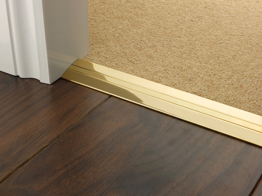door_bar_brass_posh_38_laminate_carpet.jpg