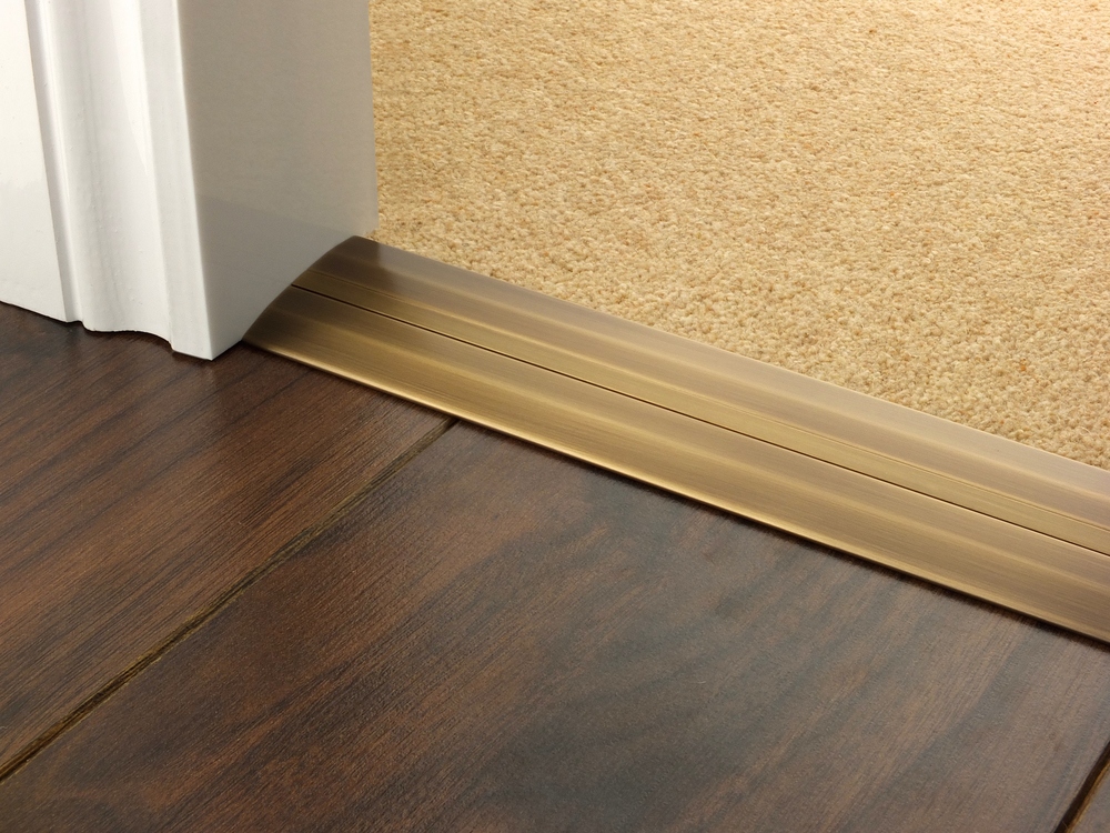 door_bar_antique_brass_posh_55_carpet_laminate.jpg