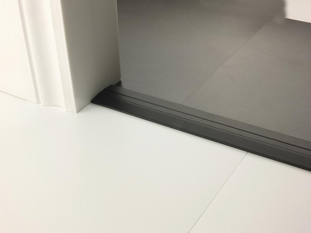 stairrods-doorbar-black-posh38-hfhf.jpg