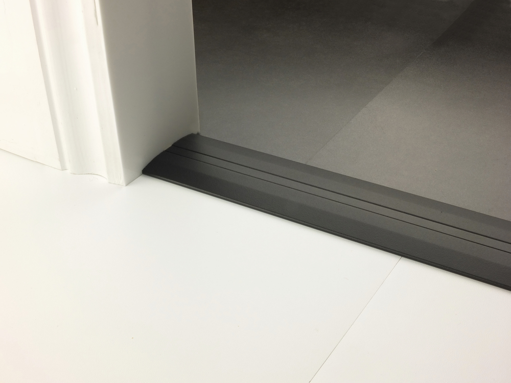 stairrods-doorbar-black-posh55-hfhf.jpg