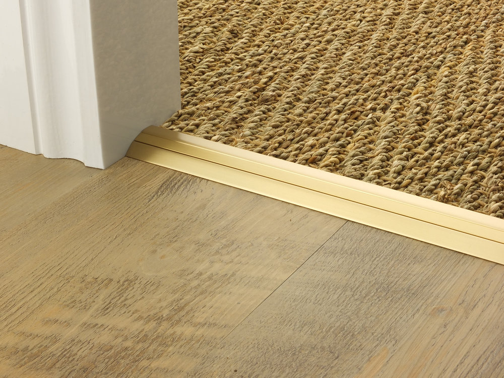 doorbar_satin_brass_posh30_seagrass_LVT.jpg