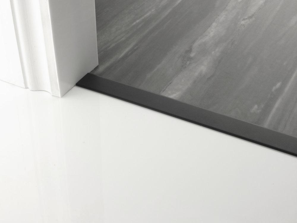 door_bar_floating_cover-30mm_black.jpg