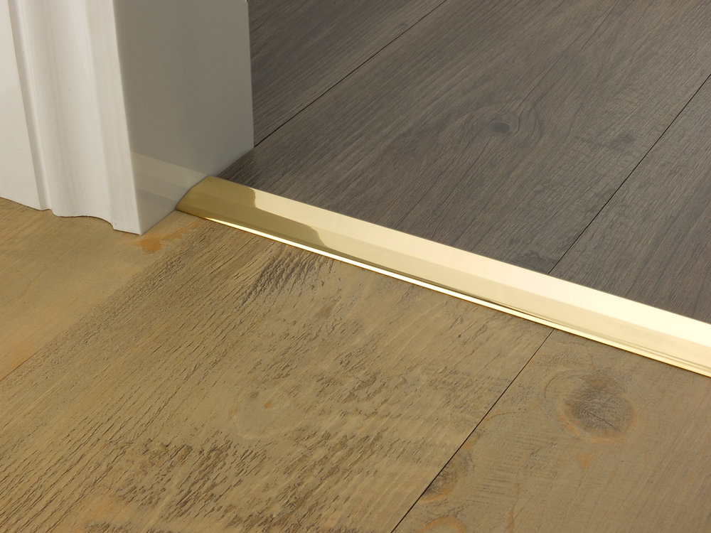 door_bar_brass_two_way_ramp_2mm_lvt_lvt.jpg