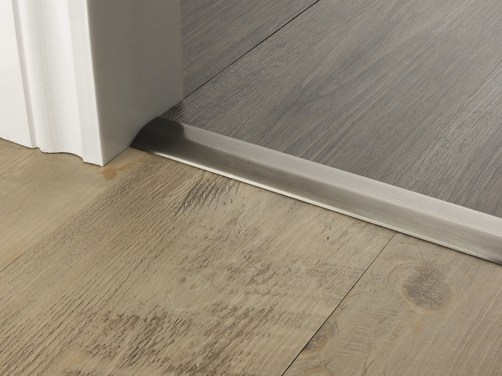 door_bar_pewter_two_way_ramp_4mm_lvt_lvt.jpg