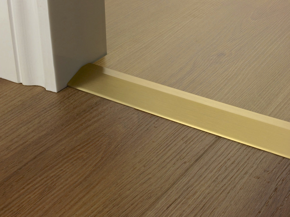 door_bar_ramp_satin_brass.jpg