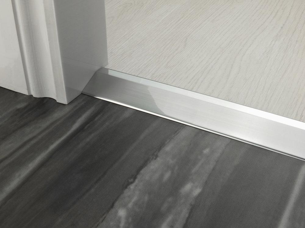 stairrods-doorbar-brushed-chrome-14mm-ramp.jpg