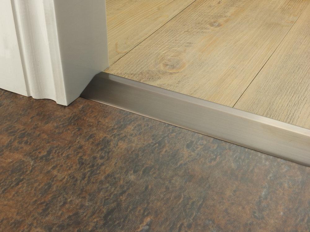 stairrods-doorbar-bronze-14mm-ramp 6.jpg
