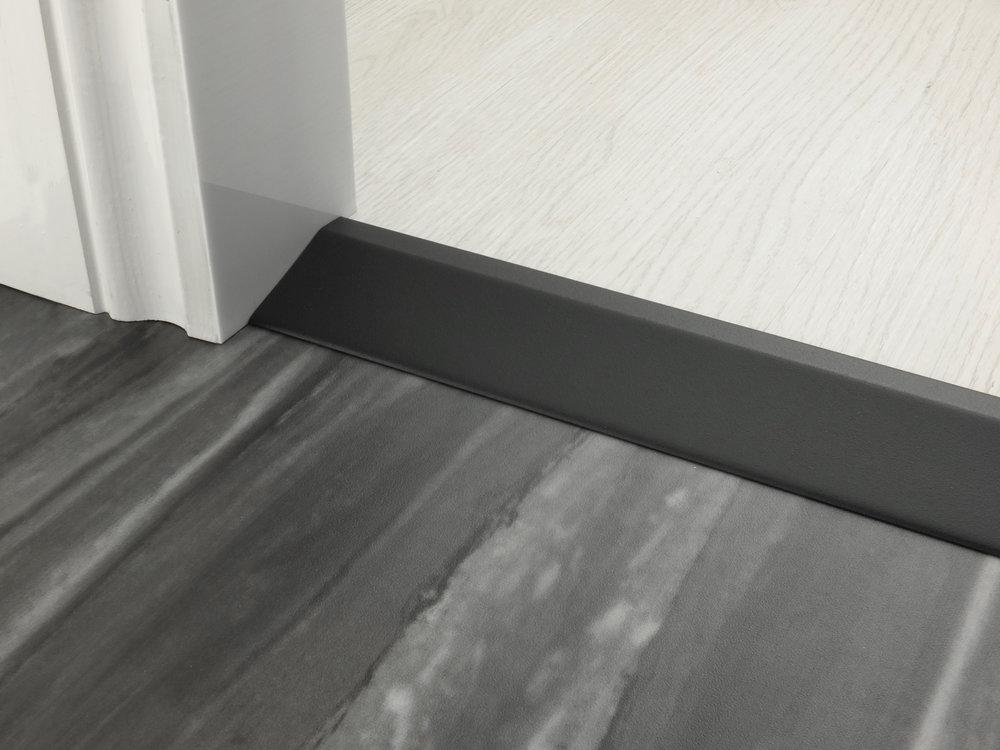 stairrods-doorbar-black-20mm-ramp.jpg