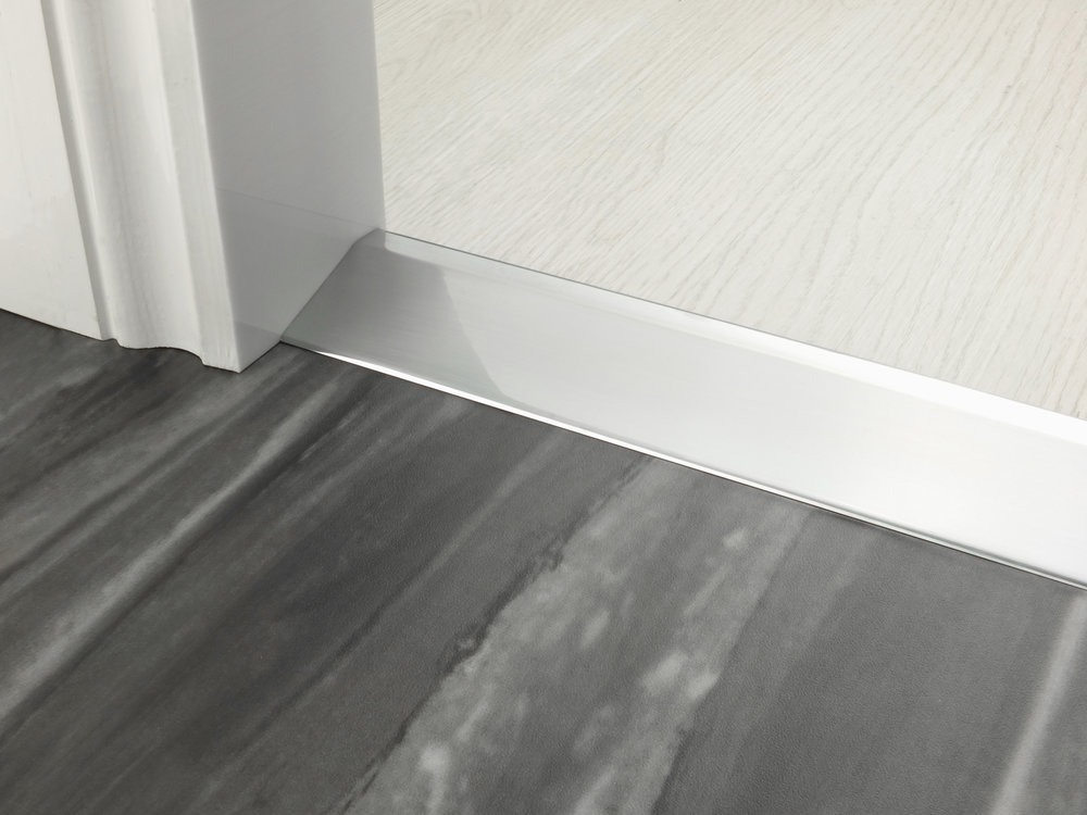 stairrods-doorbar-brushed-chrome-20mm-ramp.jpg