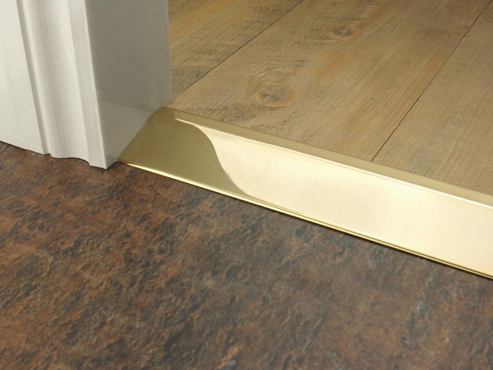 stairrods-doorbar-brass-20mm-ramp2.jpg