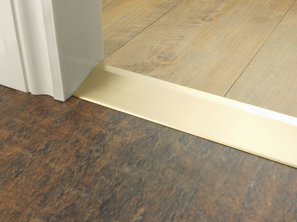 stairrods-doorbar-satin-brass-20mm-ramp.jpg
