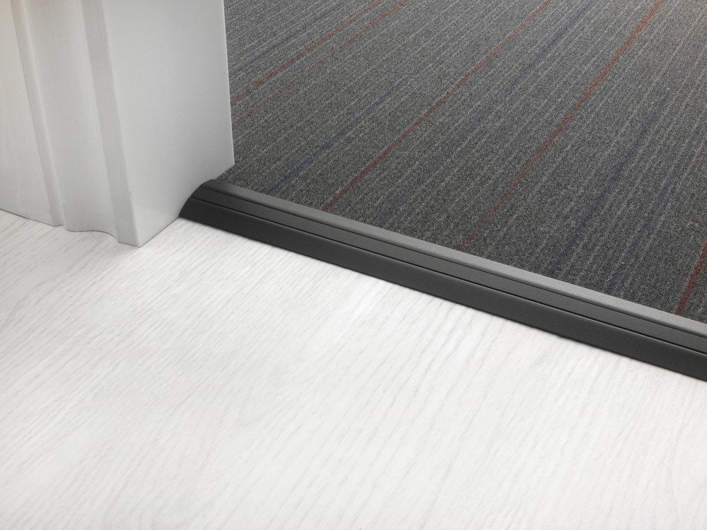 stairrods-doorbar-black-posh-30-CTH.jpg