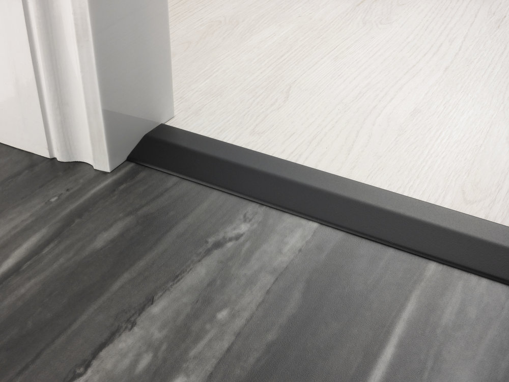 stairrods-doorbar-satin-black-two-way-ramp-8-9mm.jpg