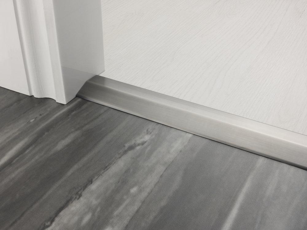 stairrods-doorbar-satin-pewter-two-way-ramp-8-9mm.jpg