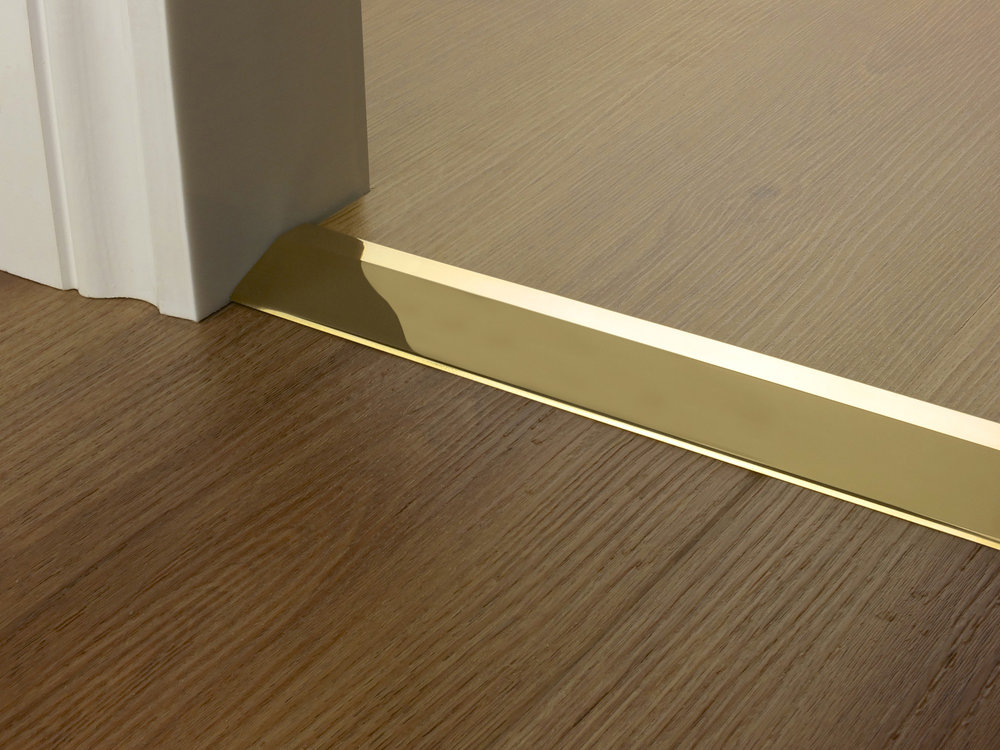 Door_bar_ramp_brass