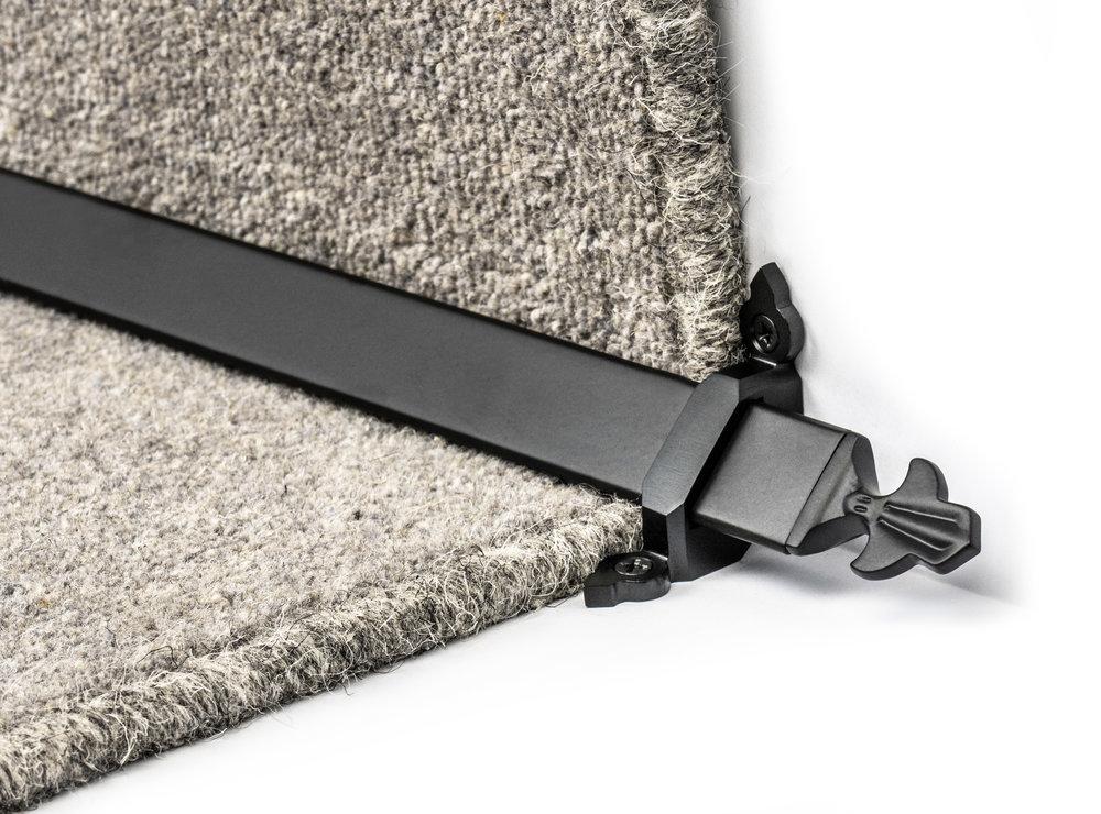 stairrods-black-royale-louis 1.jpg