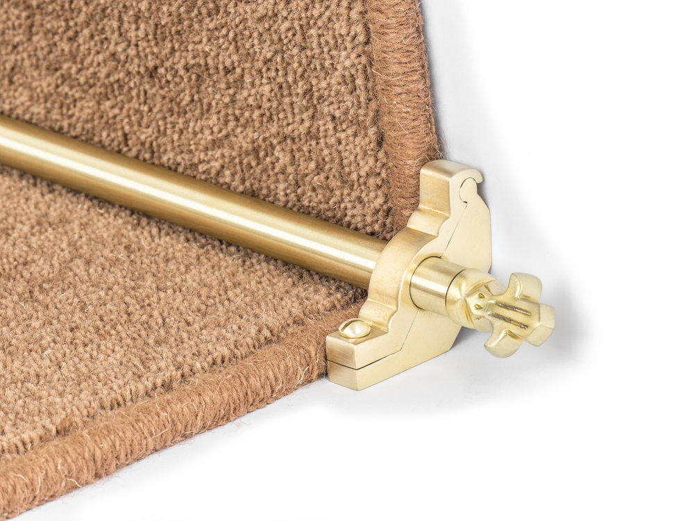 stairrods-satin-brass-bordeaux-plain2.jpg