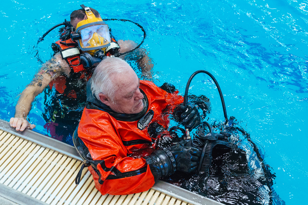 BES Dive Pool Practice Mark-Jeremy.jpg