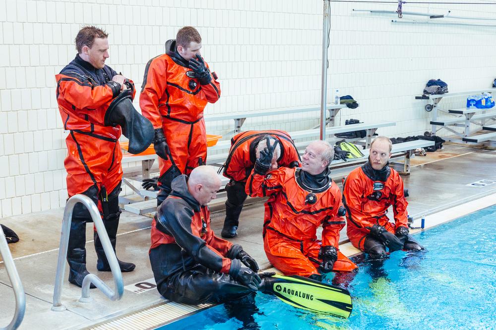 BES Dive Pool Practice Divers.jpg