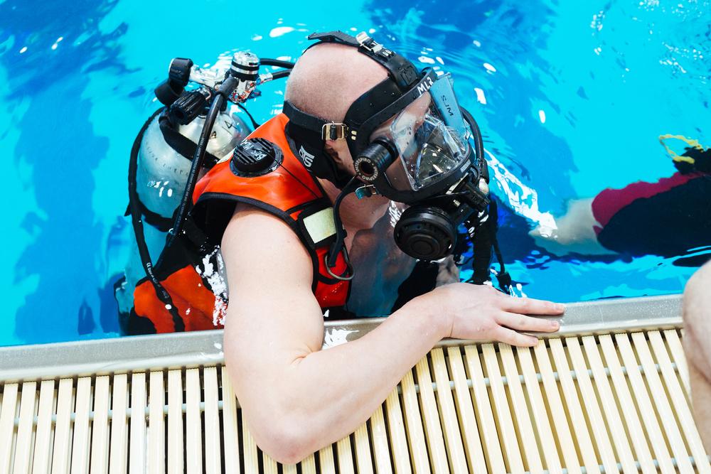 BES Dive Pool Practice Lucas.jpg