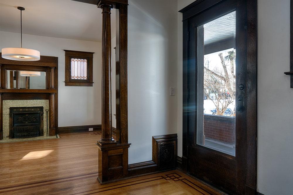 2110 Gaylord St.Foyer.jpg