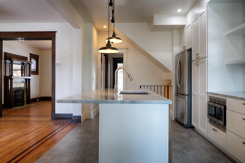 2110 Gaylord kitchen2.jpg