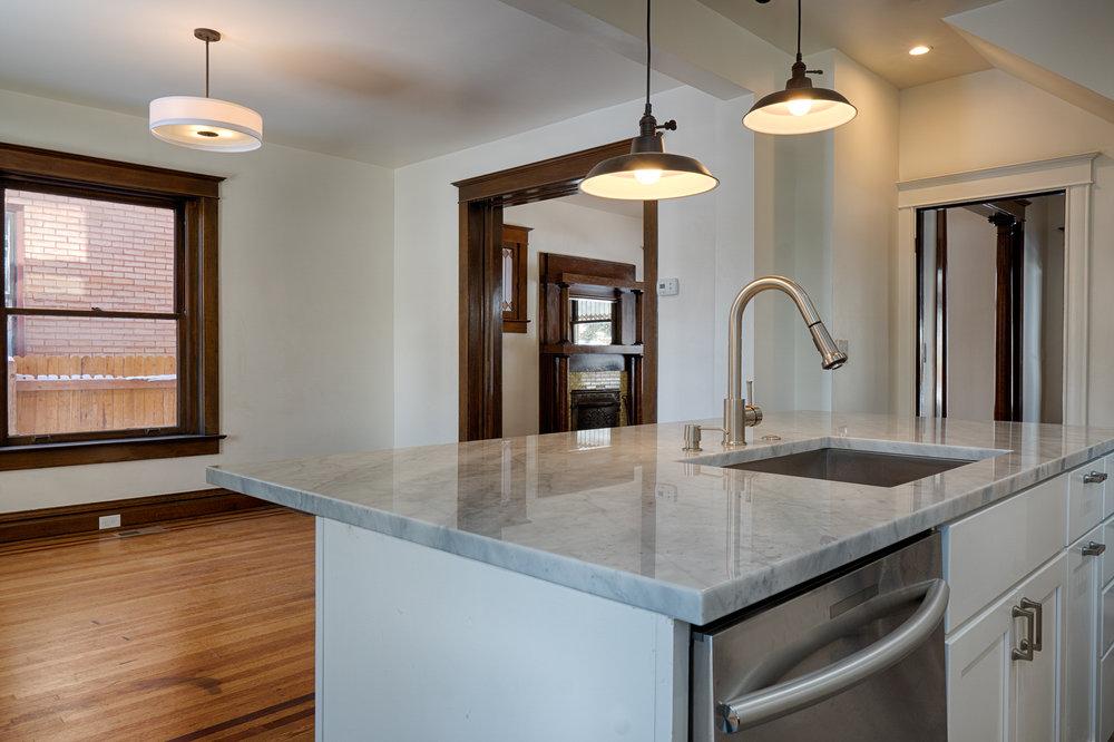 2110 Gaylord kitchen3.jpg