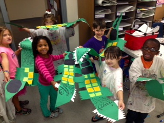 Learning shapes with alligator art