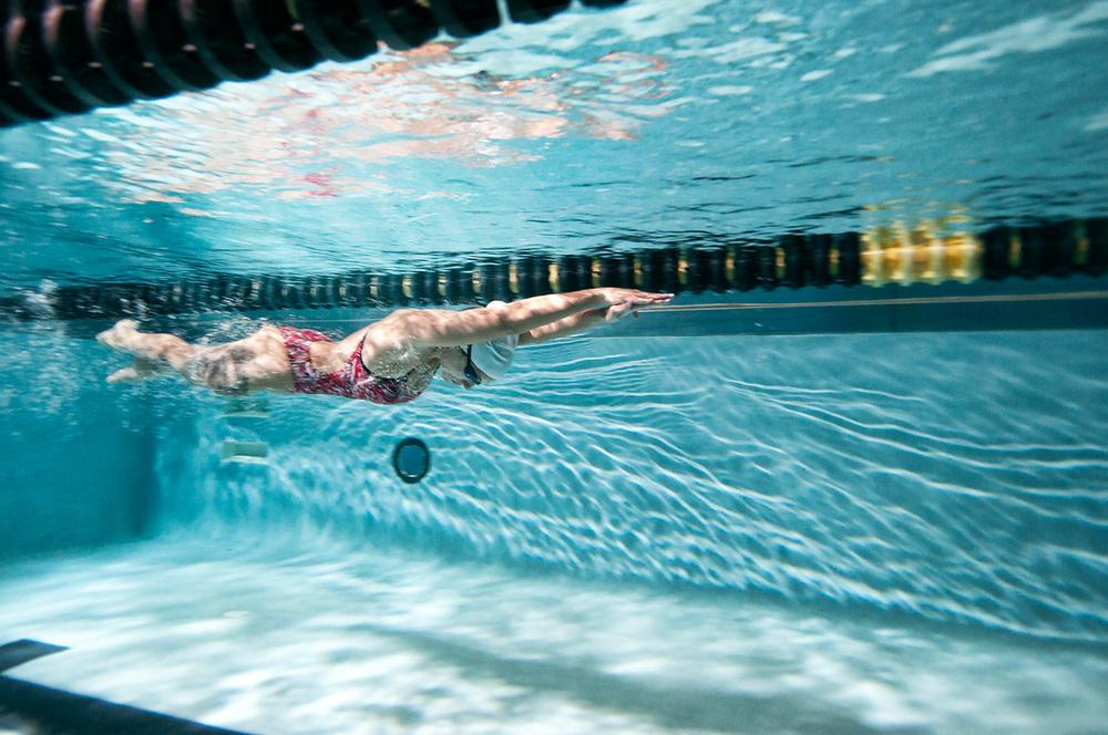 Elizabeth_Swimming_5_Horiz-WEB.jpg