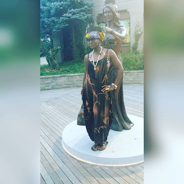 Throwback to my Atlantic City trip this summer....when I was be I n crowned Miss America. Good Morning! #goodmorning #atlanticcity #africanfashion #african #harrietsbyhekima #missamerica #beautyqueen #ootd #lookoftheday #headwrap #blackisbeautiful #namaste #turban #thewraplife #liveyourlife #accessories