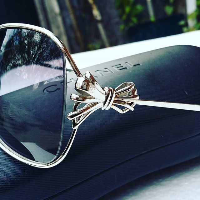 Follow me @malondastreasures for fabulous finds. These authentic metal Chanel frames are one of a kind and super fabulous for $200 shipped @malondastreasures.  #chanel #cocochanel #designerforless #cc #luxe #luxury #luxe #chanelglasses #chanelsunglasses #designersunglasses #instastore #instasale #designerforless #buythis #onlinesale #onlinestore