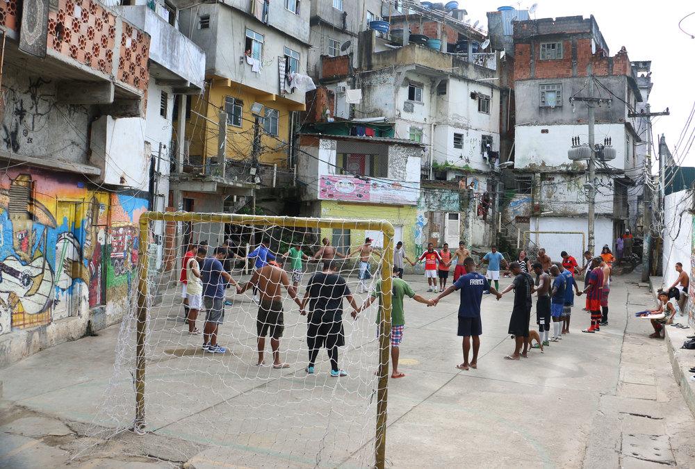 Memorial held in Pavão-Pavãozinho concrete soccer pitch for DG