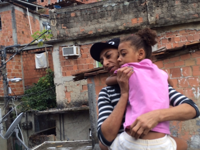 Beth Gomes da Silva with daughter Milena in Rocinha (Photo by Flora Charner)