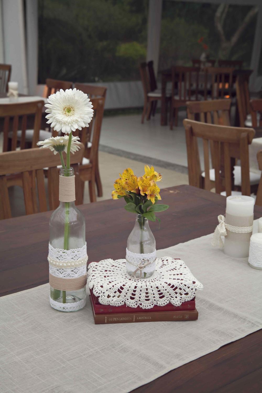 4 vidro, flor e livro 1.jpg