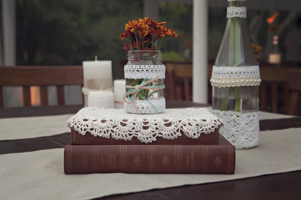 vidro, flor e livro 3.jpg