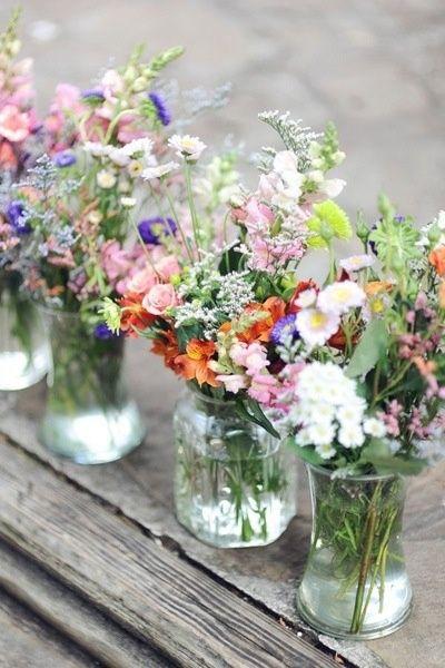 1 flores coloridas nos vidrinhos.jpg