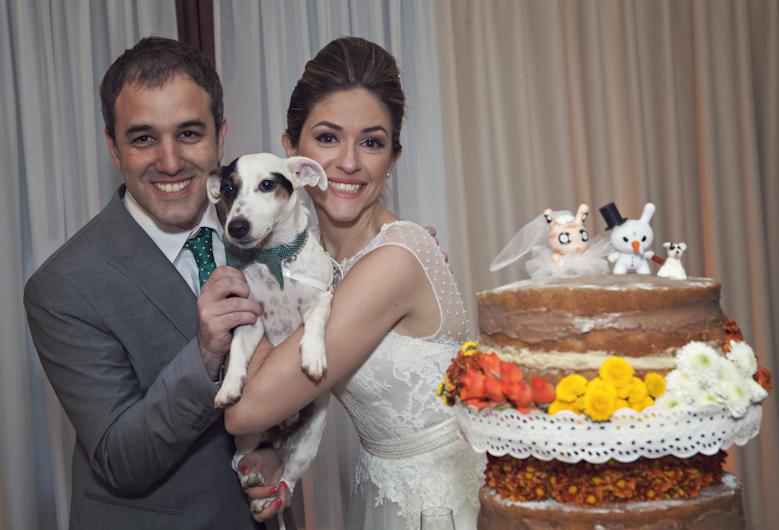 Olha o Andy com os pais e também no topo do bolo.