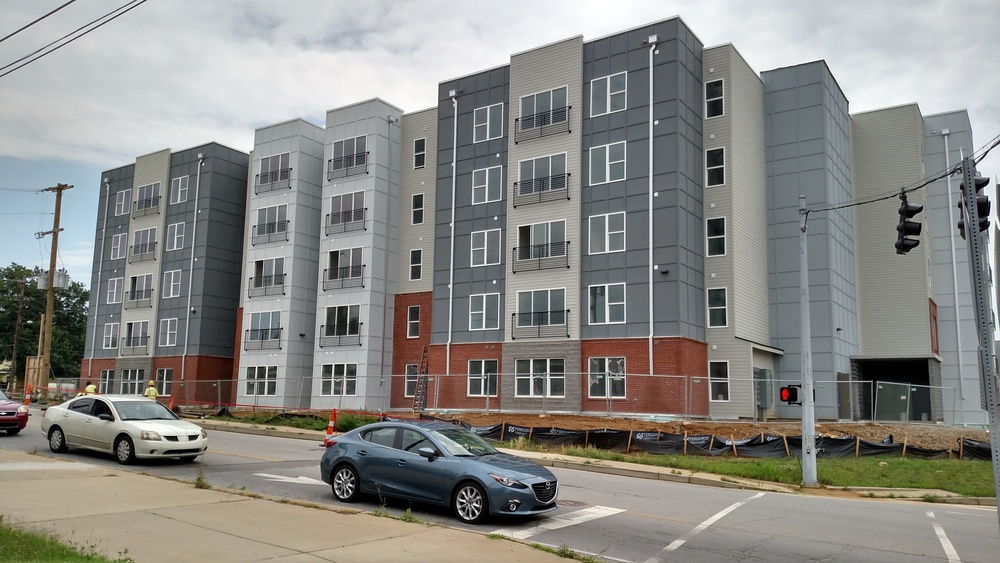 The Clubhouse Student Apartments - louisville, KY - Doster