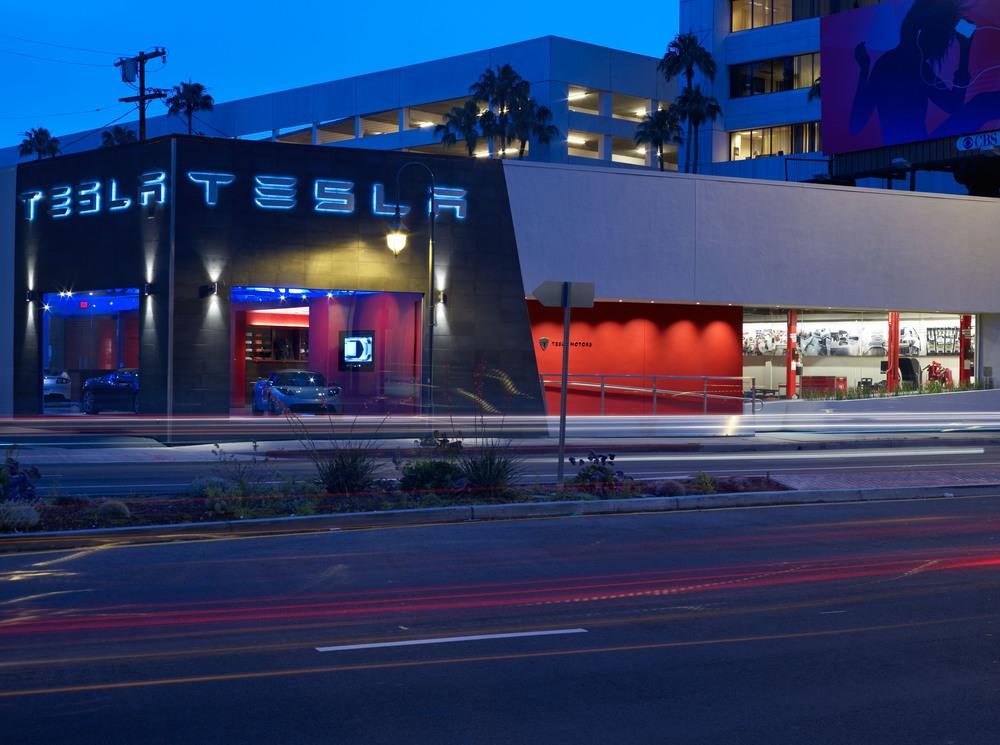 Tesla LA (5).jpg