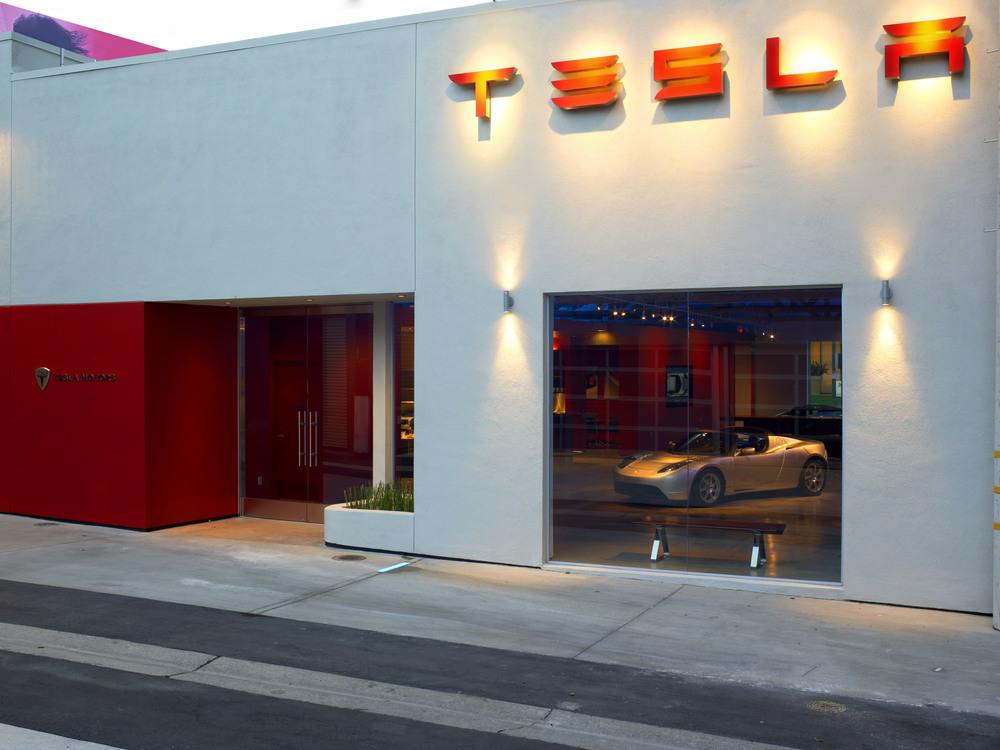 Tesla LA (20).jpg