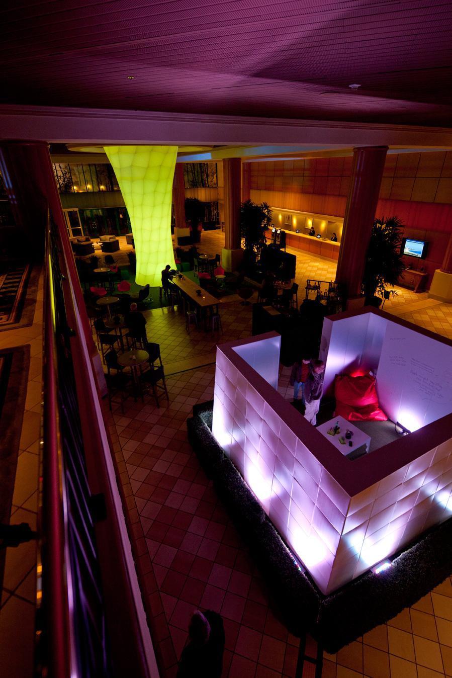 Pop Up Lobby Hyatt Long Beach Weisbach Architecture