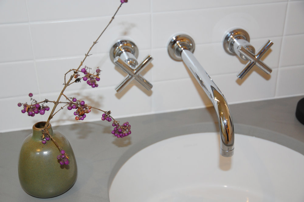 bathroom close up.jpg