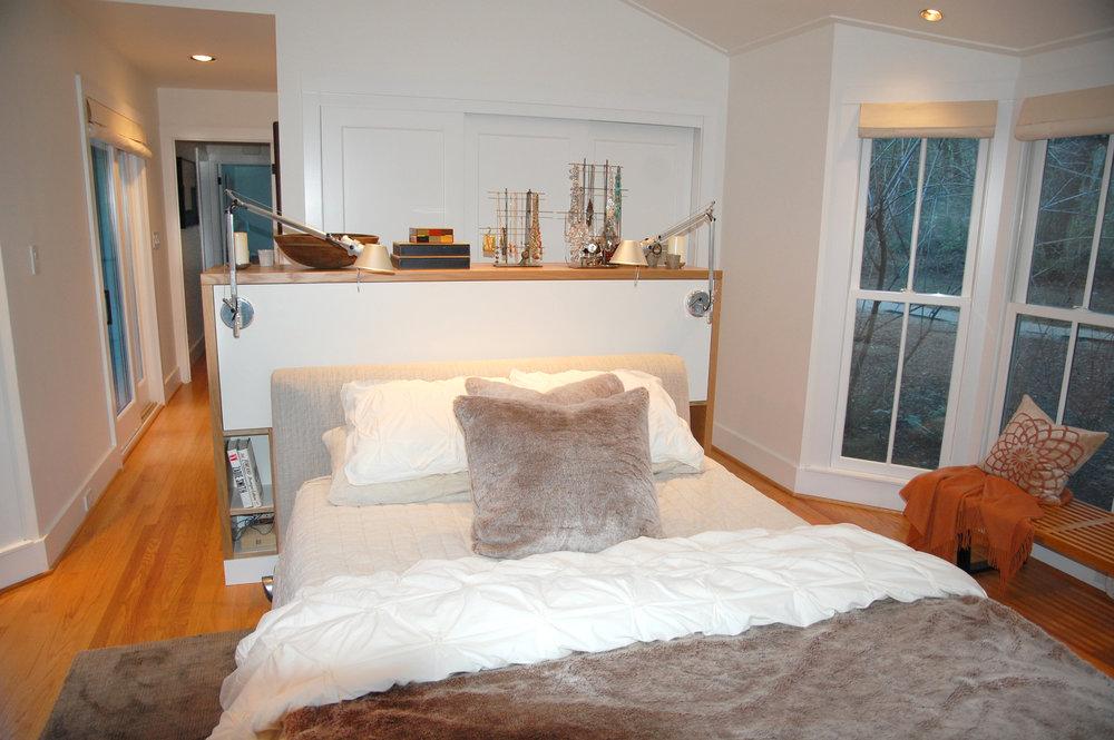bedroom bed.jpg