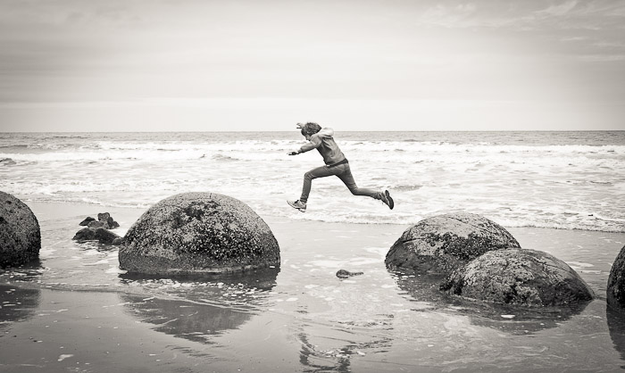 Long-jump at Moeraki Boulders, NZ (9)