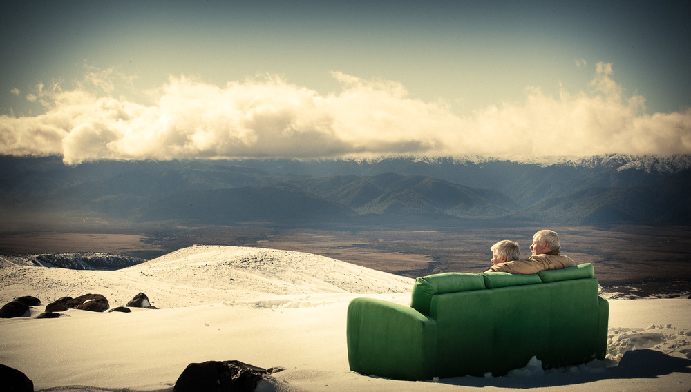 Enviroment portrait - Couch in snow