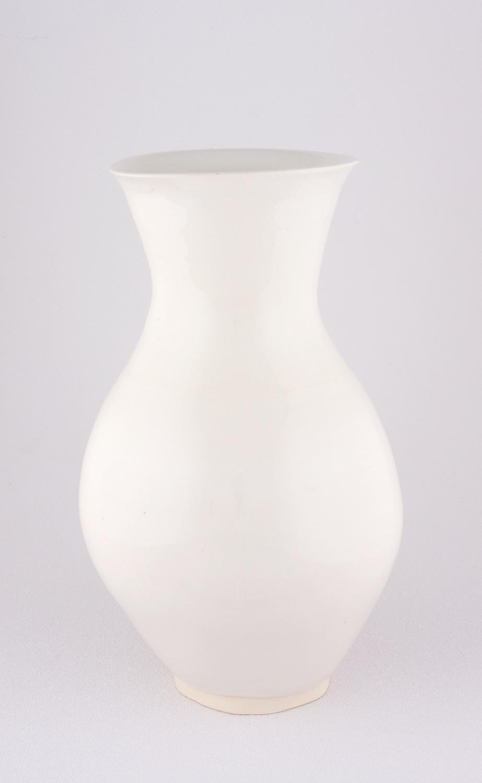 Shio Kusaka  Untitled (amazing parallel)  2009 Porcelain 10h x 6w in SK065