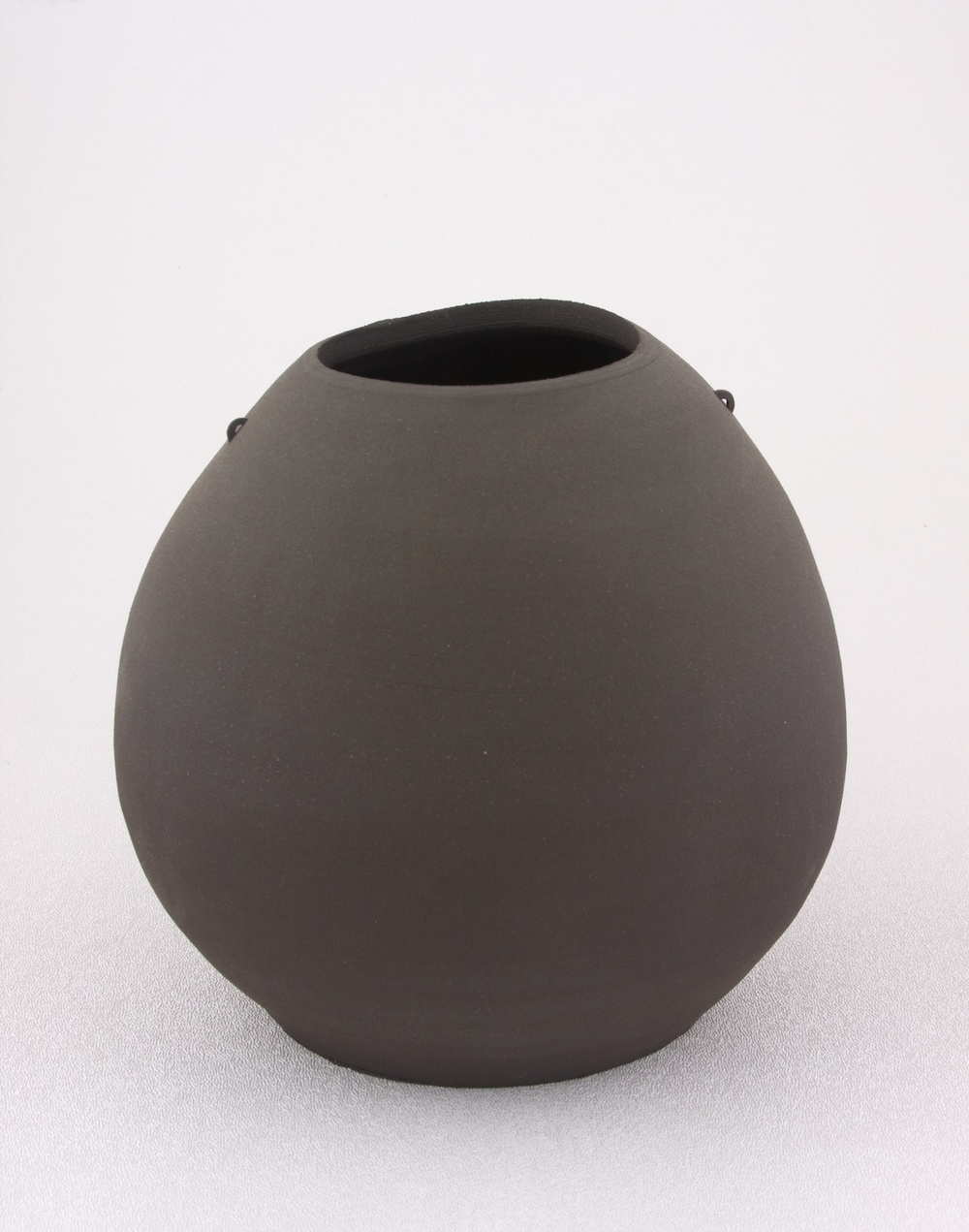 "Shio Kusaka Untitled (mini handle 1) 2005 Stoneware 6"" x 7"" SK066"